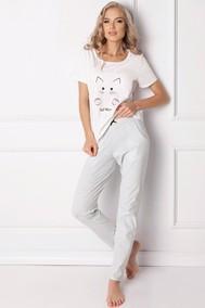 Модель Catwoman Long White
